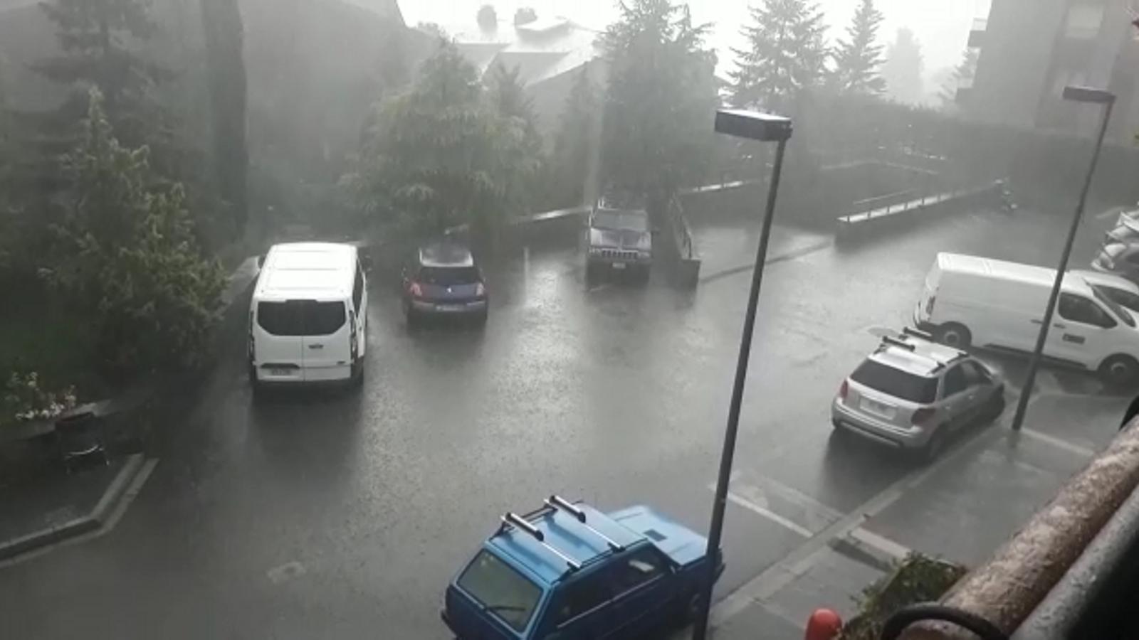 Tempesta d'aquest diumenge a Encamp. / ARA