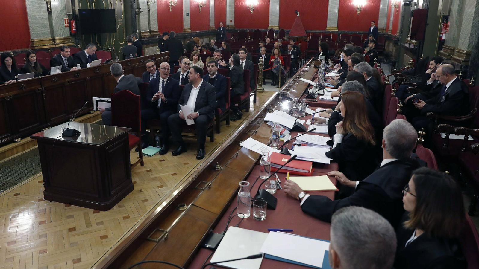Els líders independentistes el primer dia del judici oral al Procés al Tribunal Suprem.