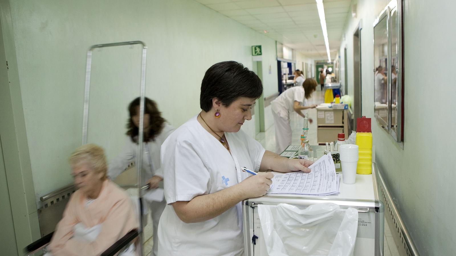 Els metges fan avui el primer pols al Govern contra les retallades