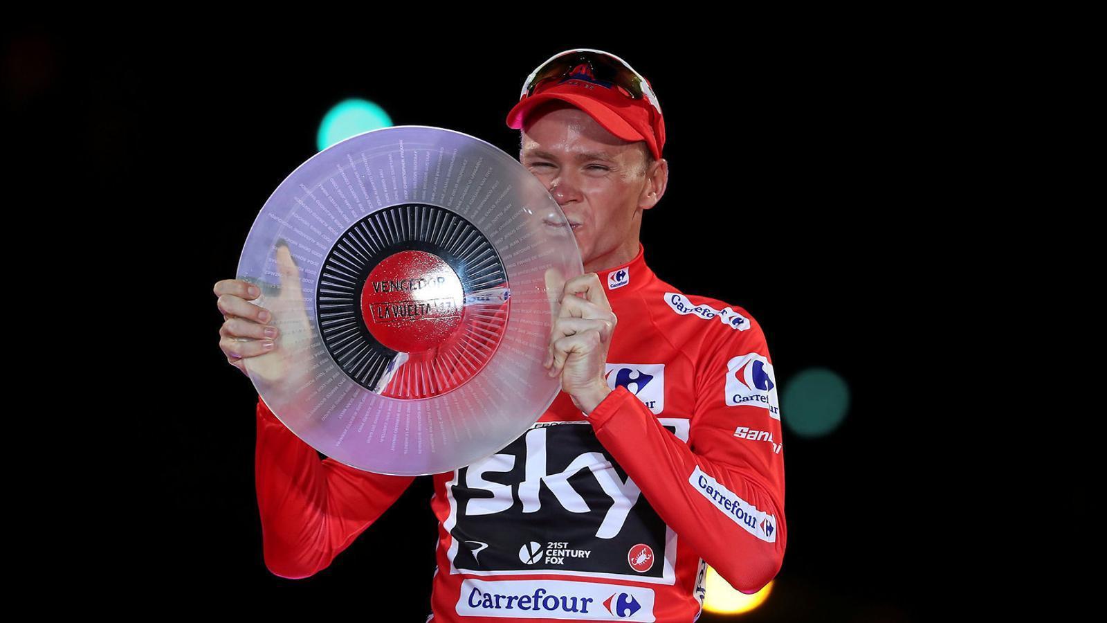 Chris Froome amb el trofeu de la Vuelta.