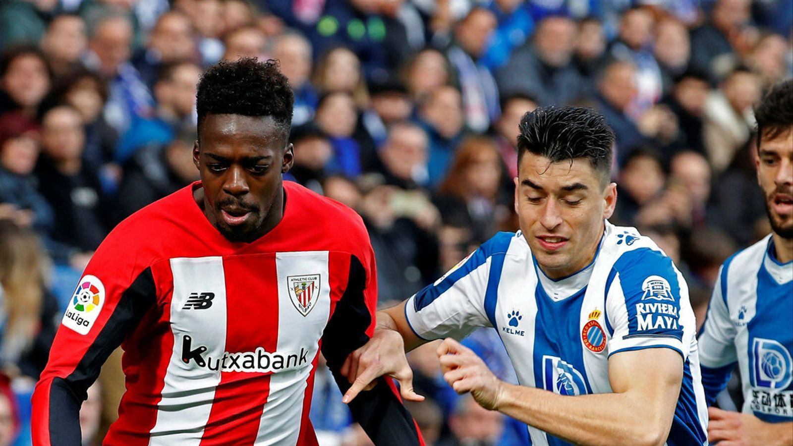 Iñaki Williams i Marc Roca, durant l'Espanyol-Athletic.