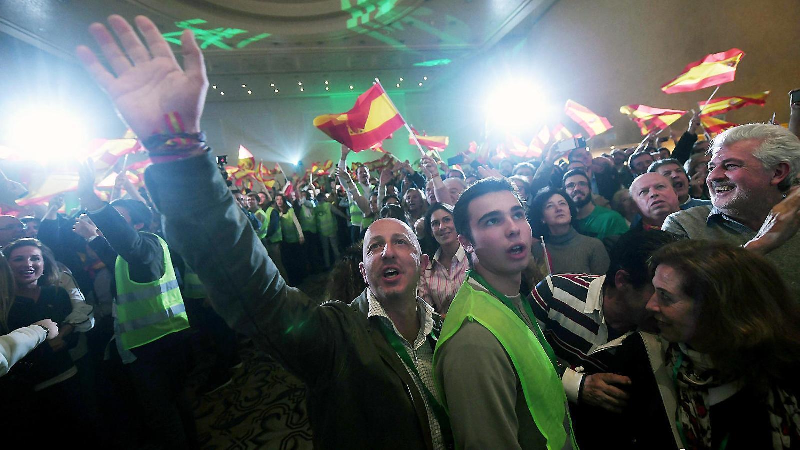 Militants de Vox durant la nit electoral del partit a Andalusia.