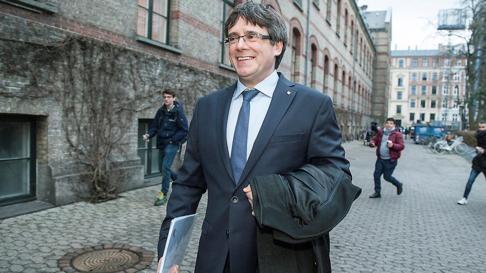 El candidat de Junts per Catalunya a la investidura, Carles Puigdemont, als carrers de Copenhaguen, on aquesta setmana va fer-hi una conferència.
