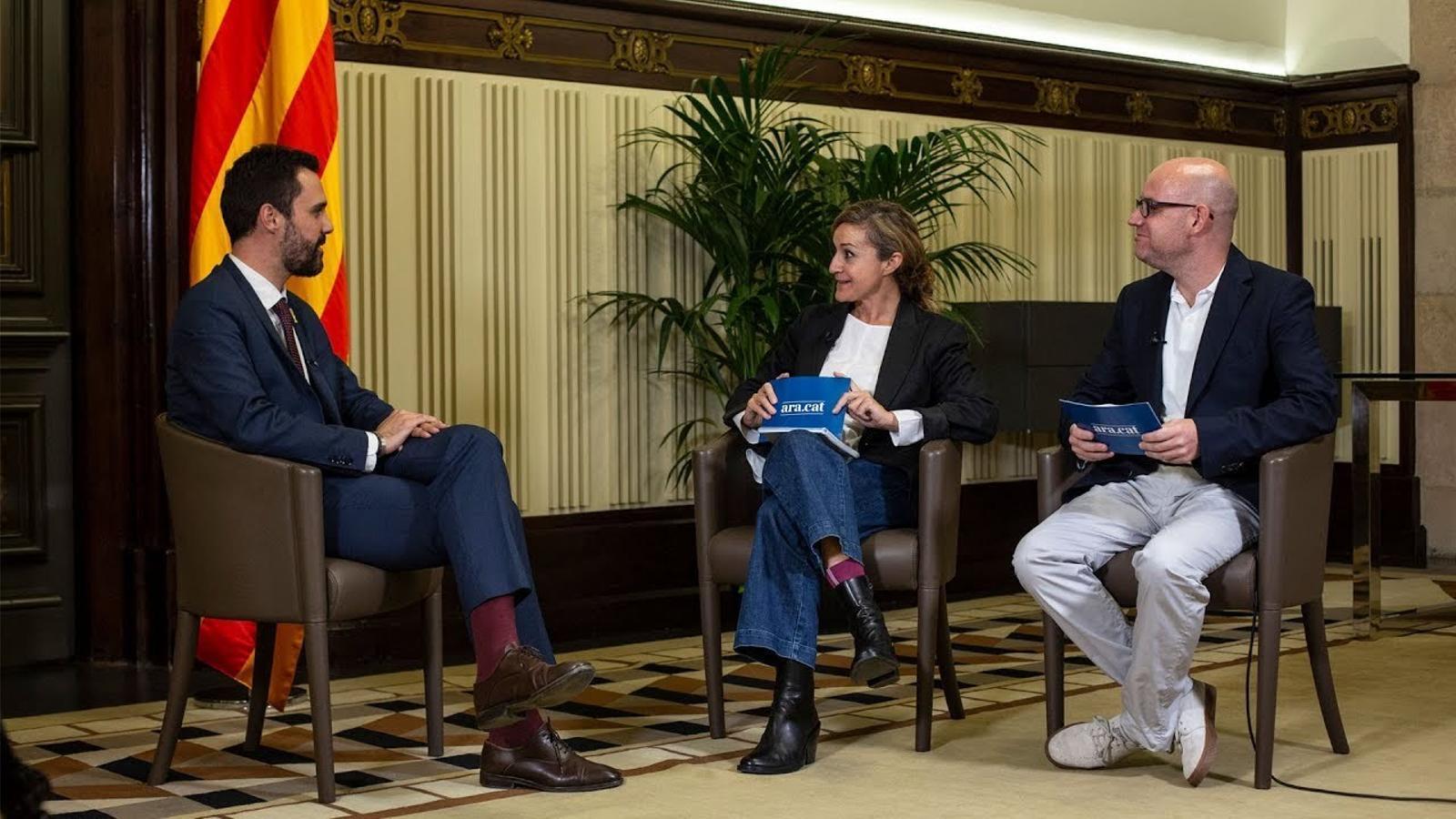 Entrevista d'Esther Vera i David Miró a Roger Torrent