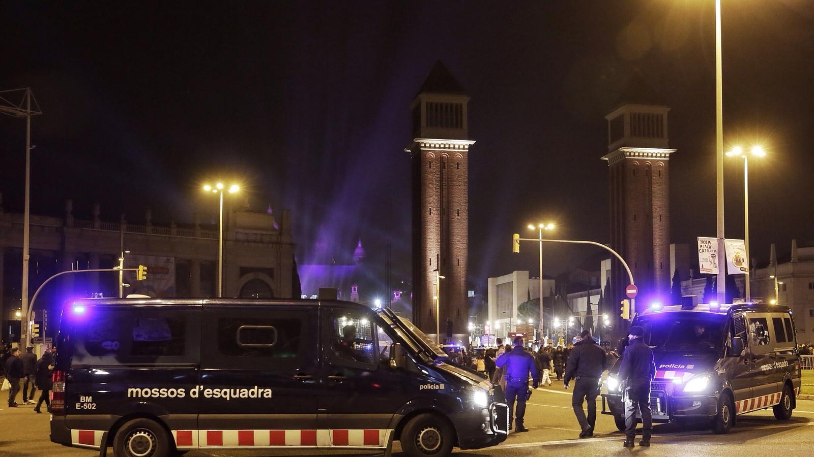 Reforcen la presència policial a Barcelona per la celebració del Cap d'Any