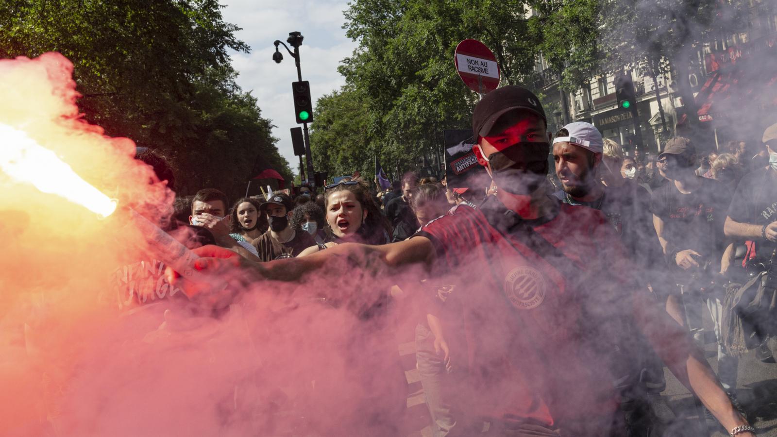 L'esquerra francesa surt al carrer contra la ultradreta i la deriva de Macron