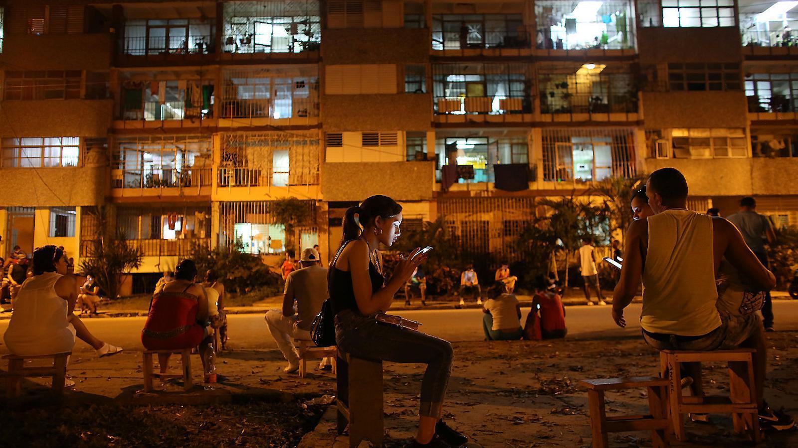 Cada cop més cubans decideixen tornar a l'illa, de totes les edats i ascendència social.