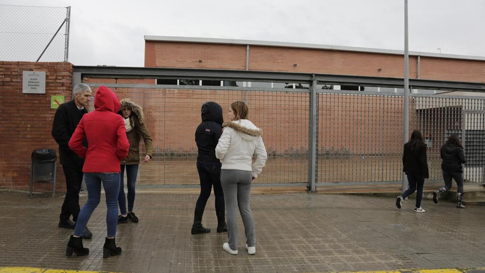Entre els viatgers de l'avió accidentat als Alps hi ha 14 estudiants i 2 professors alemanys que havien fet un intercanvi escolar amb l'IES Giola de Llinars / CRISTINA CALDERER