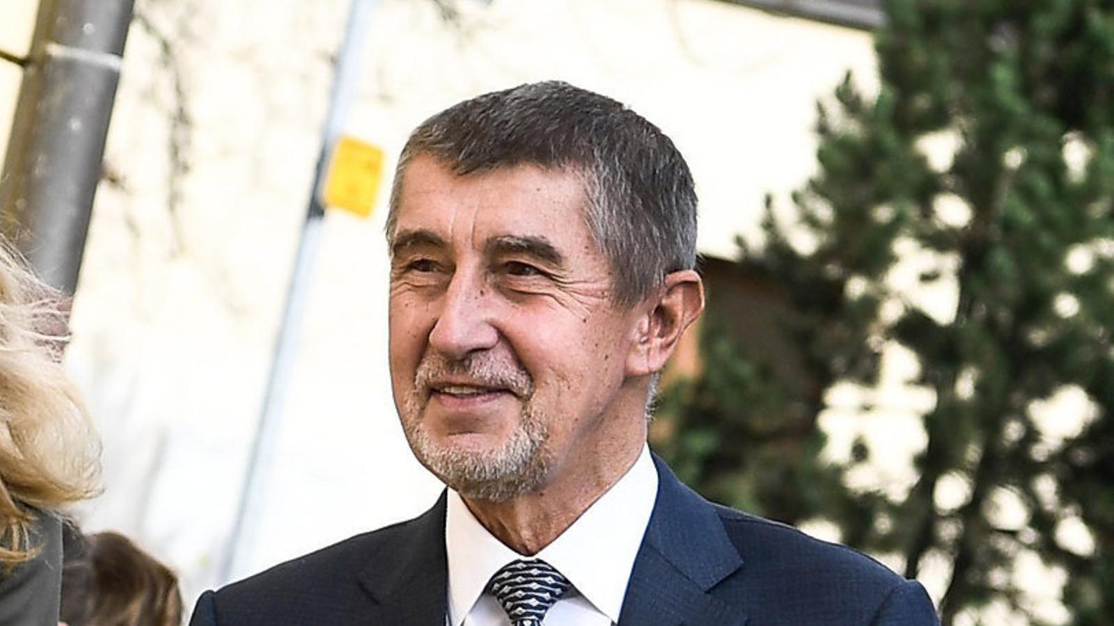 Un milionari populista opta a liderar els txecs