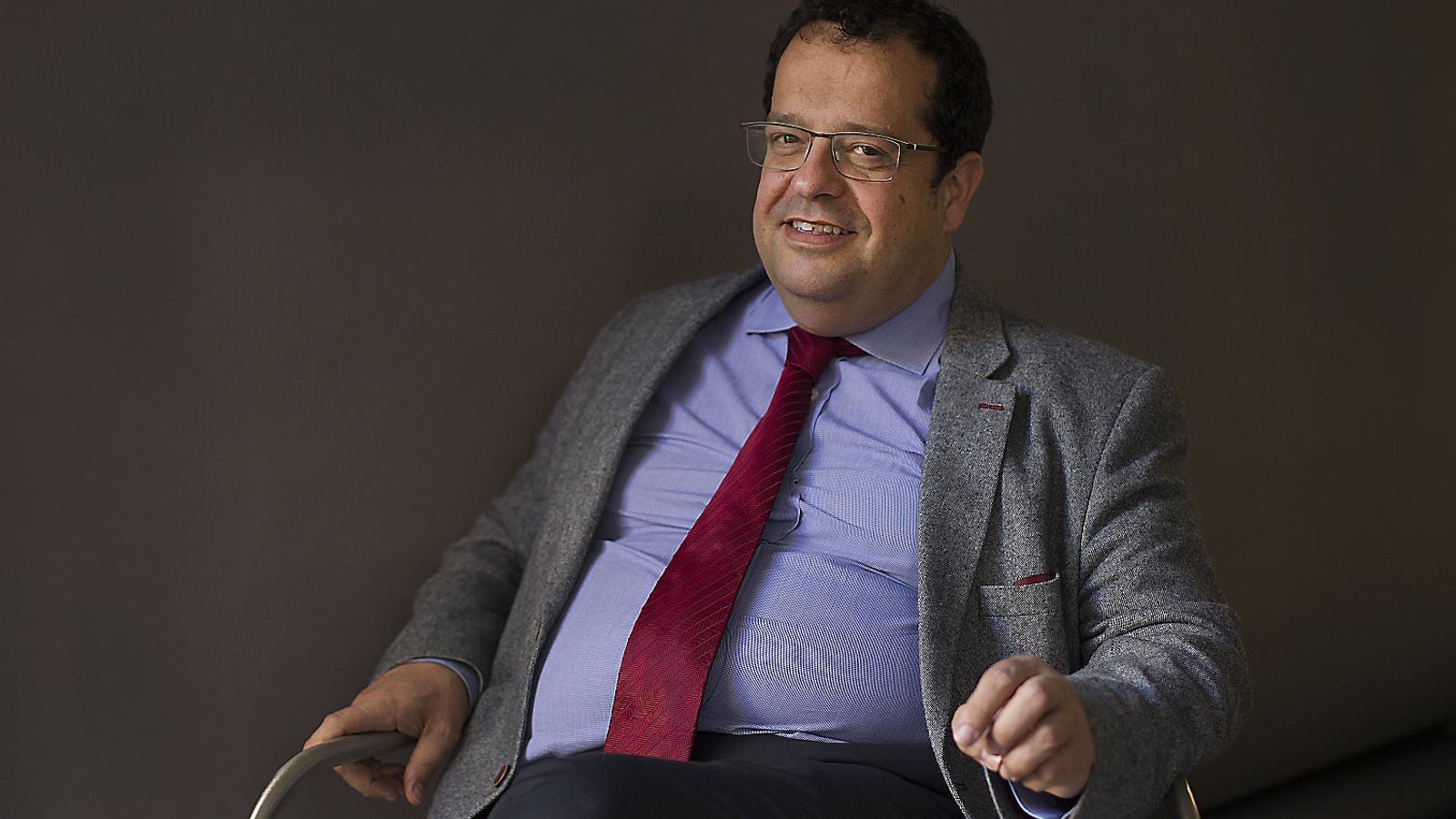 """Joan Ignasi Elena: """"Ara hi ha més gent a favor del referèndum a Espanya tot i el bloqueig polític"""" / RUTH MARIGOT"""