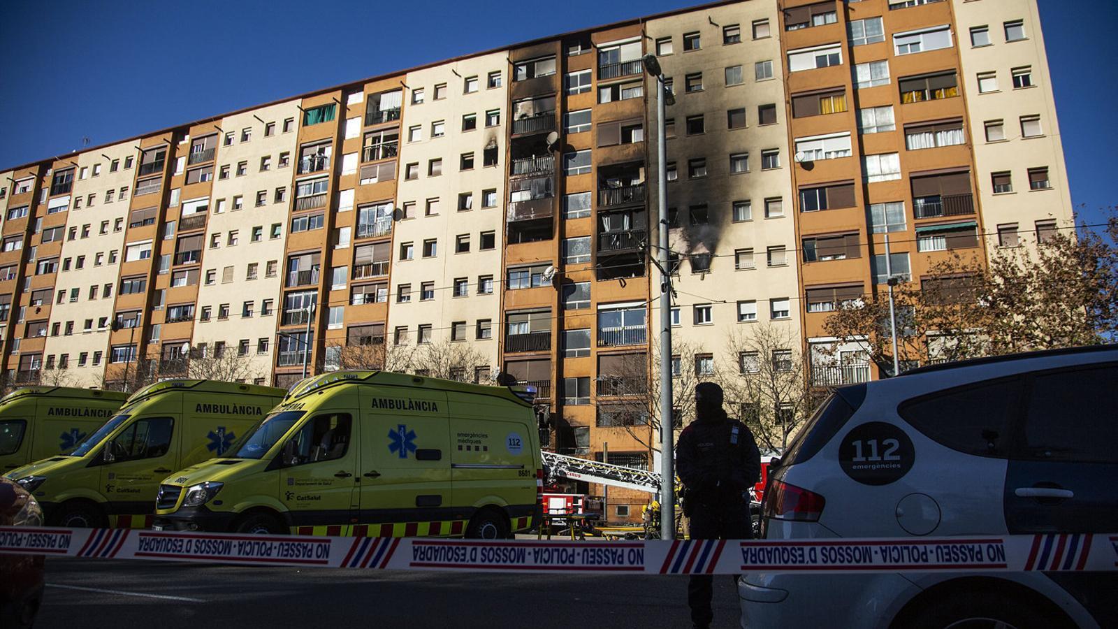 Empitjora un dels adults ingressats a l'Hospital Vall d'Hebron per l'incendi de Badalona