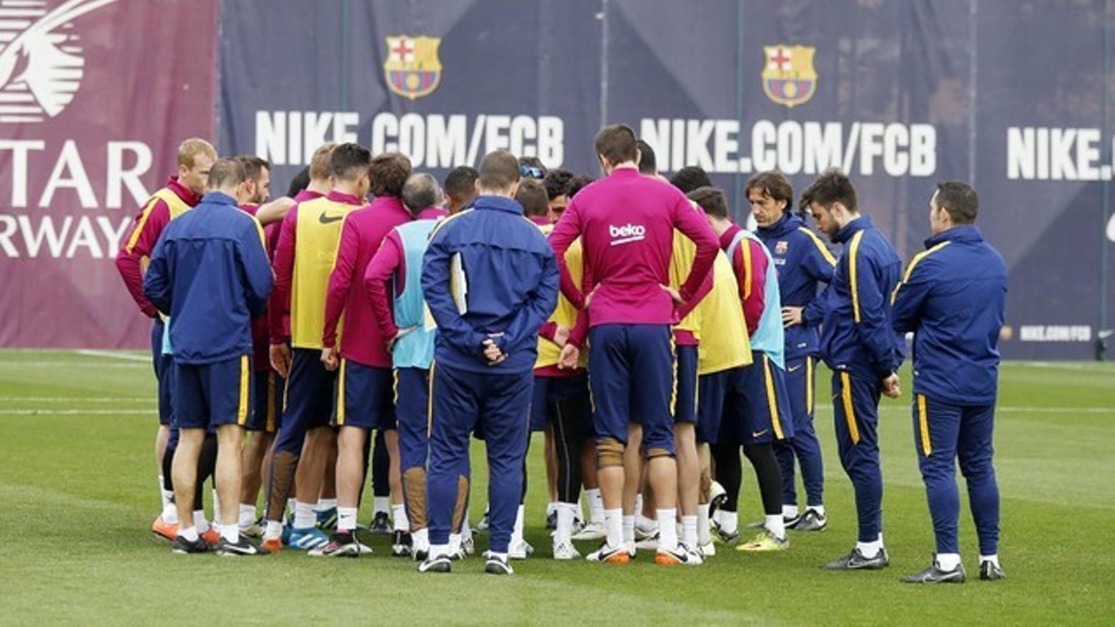 La plantilla del Barça, en l'últim entrenament de divendres previ al partit contra el Betis
