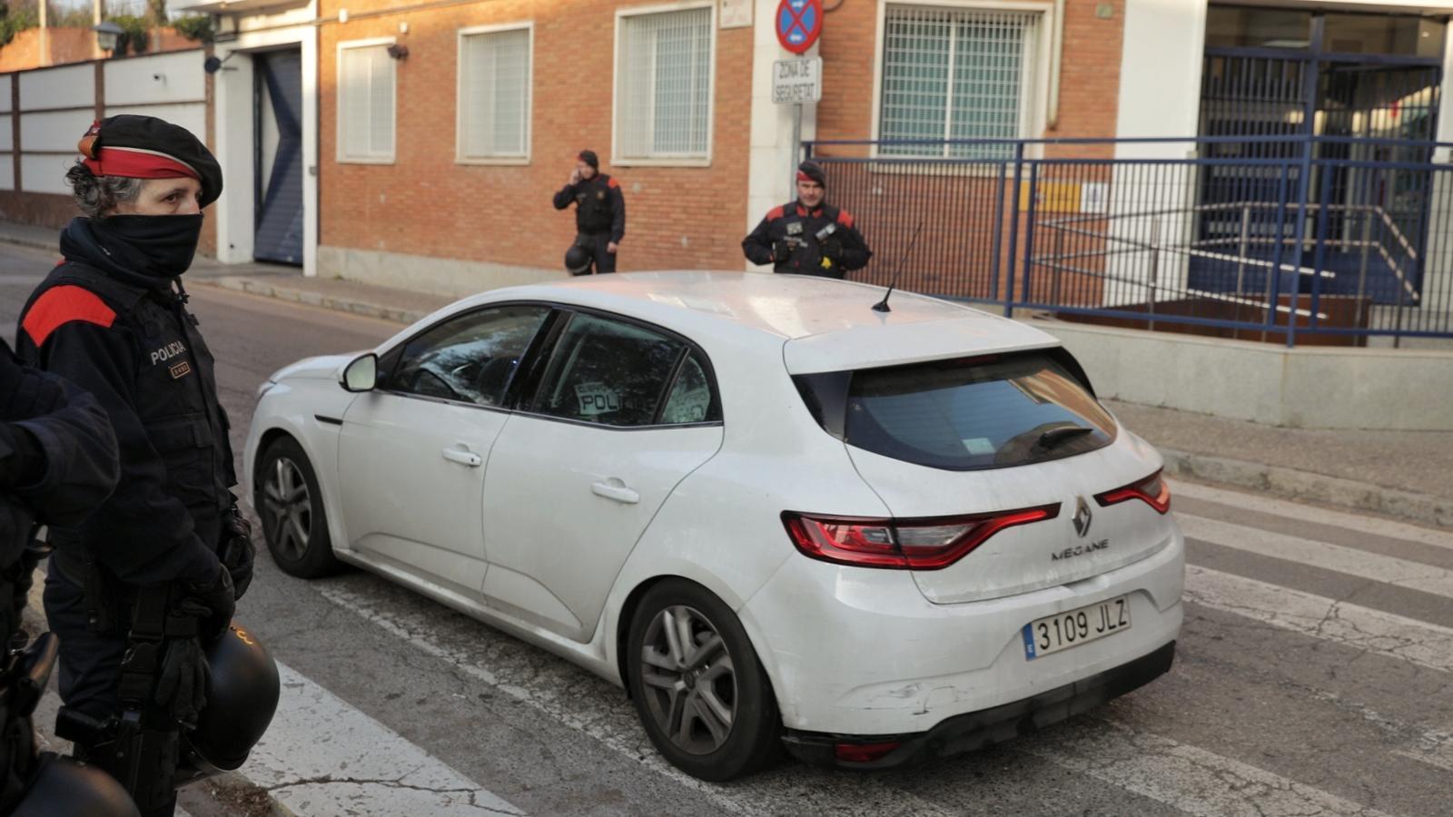 Imatge d'un dels detinguts a la comissaria de la Policia Nacional de Girona