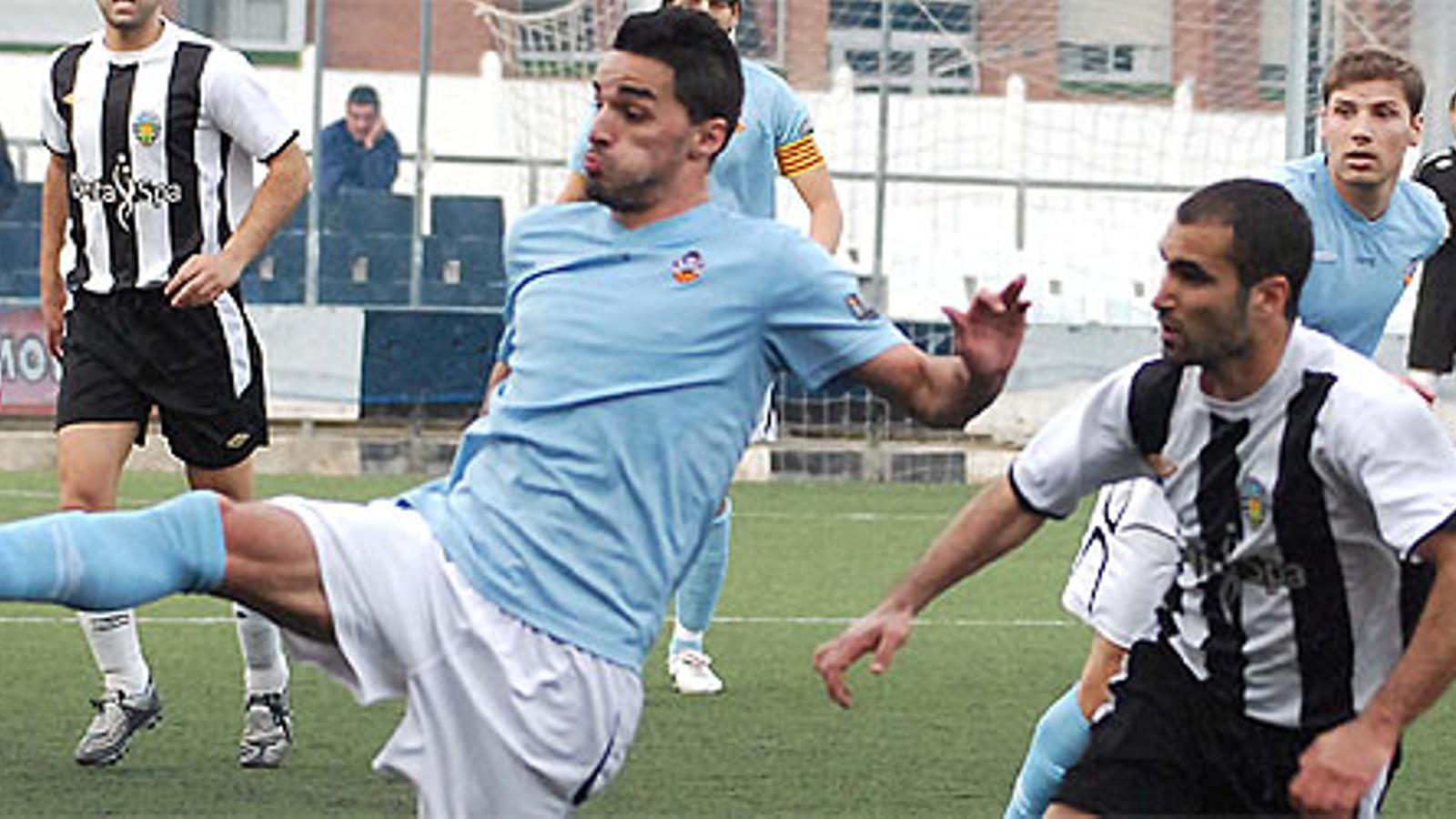 L'Amposta i el Vilanova han signat l'únic partit sense gols / MIQUELL VALL