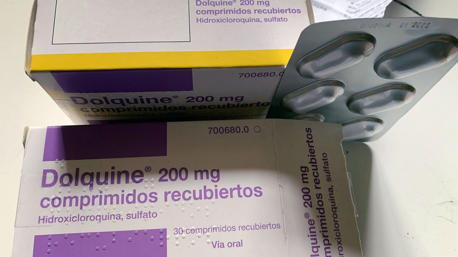 Caixes d' hidroxicloroquina, fàrmac usat per tractar el civid-19