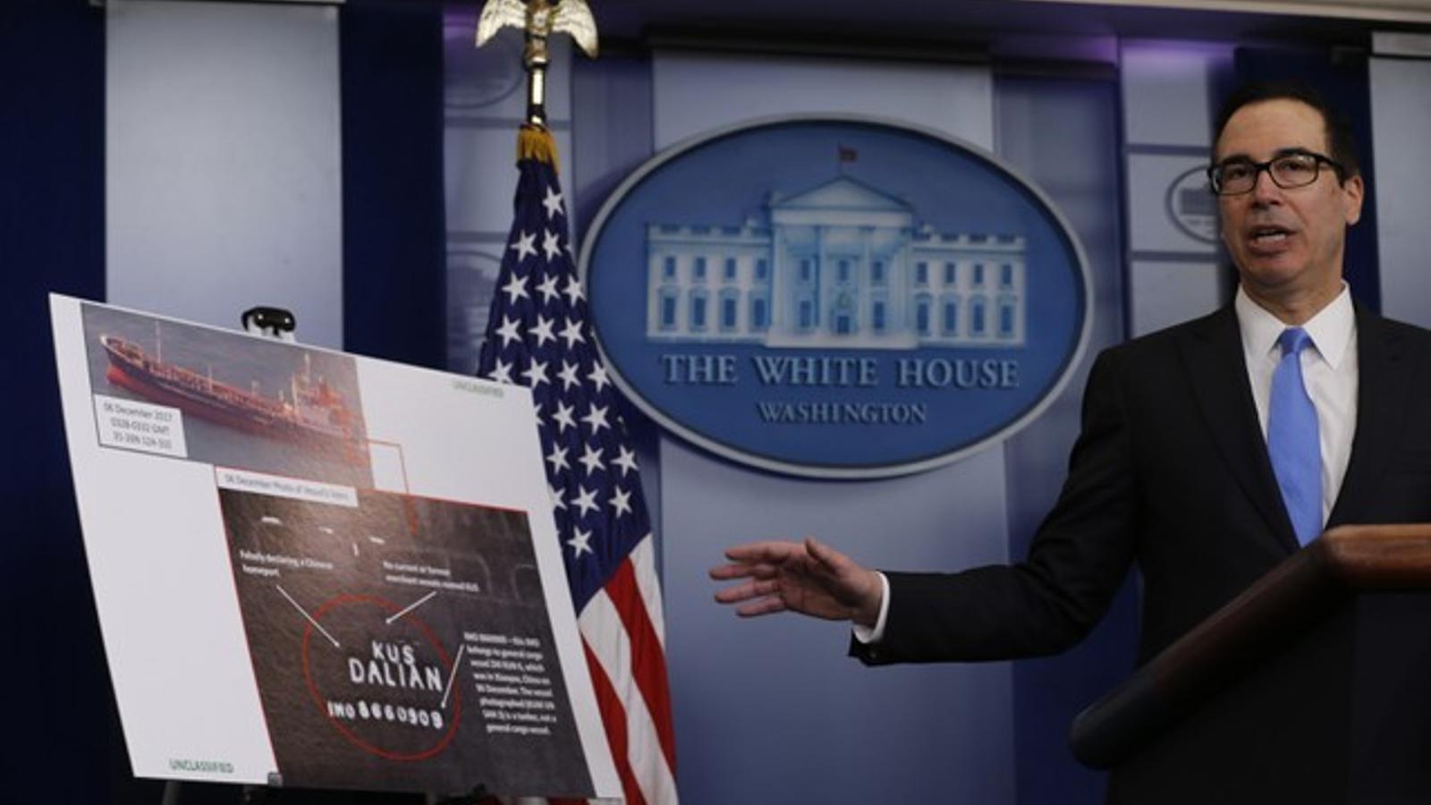 Mnuchin compareixent a la Casa Blanca per explicar el nou paquet de sancions als col·laboradors de Corea del Nord.