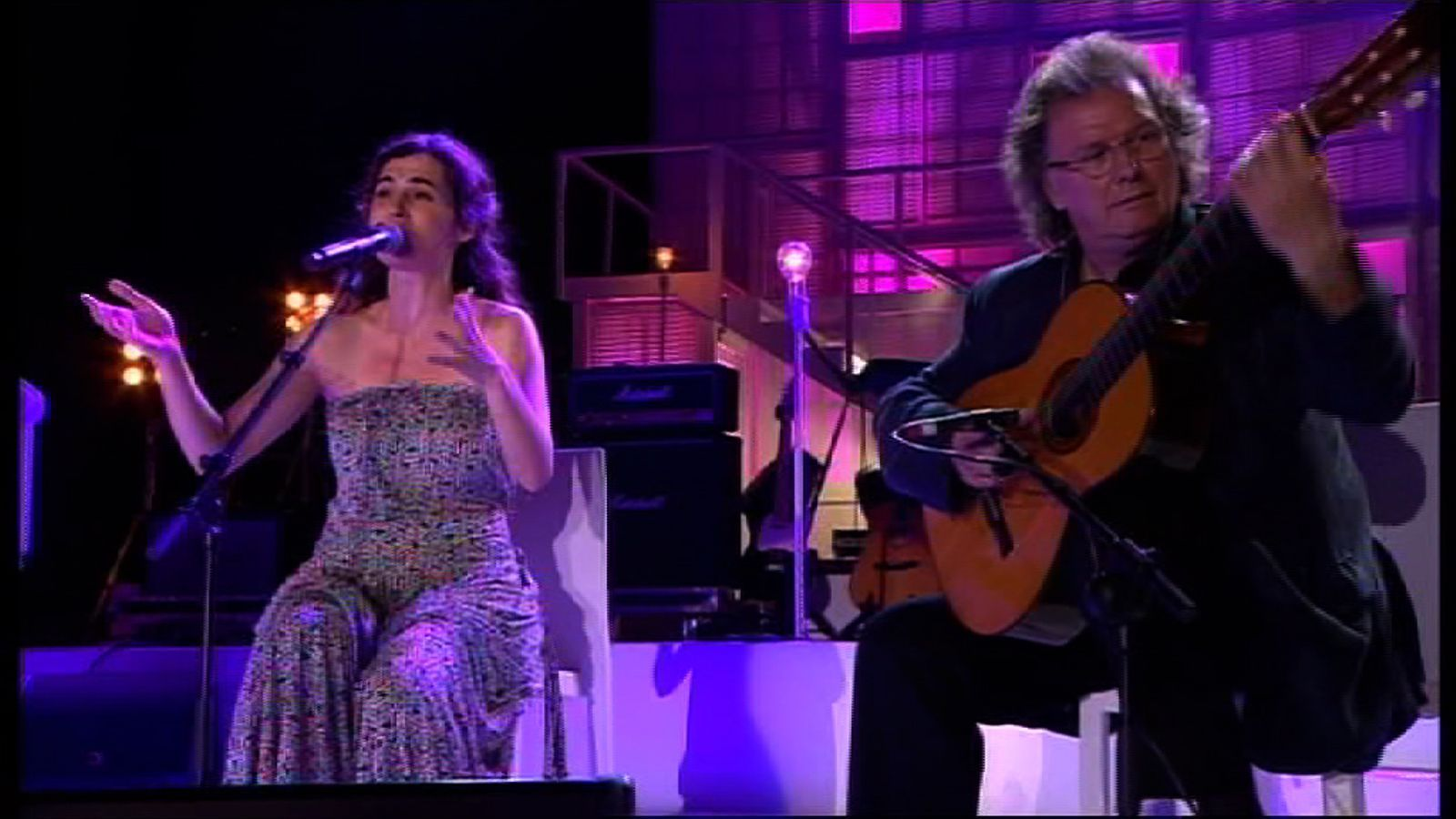 Sílvia Pérez Cruz i Toti Soler interpreten 'Paraules d'amor' al concert 'Les nostres cançons contra la sida'
