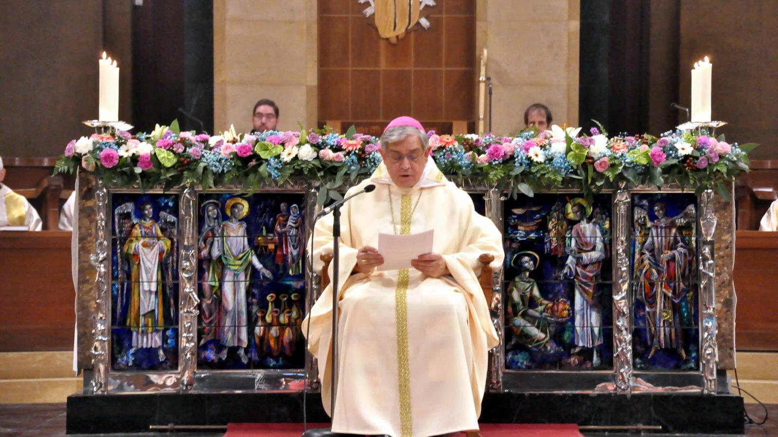 L'abat de Montserrat torna a demanar perdó a les víctimes d'abusos sexuals però descarta deixar el càrrec