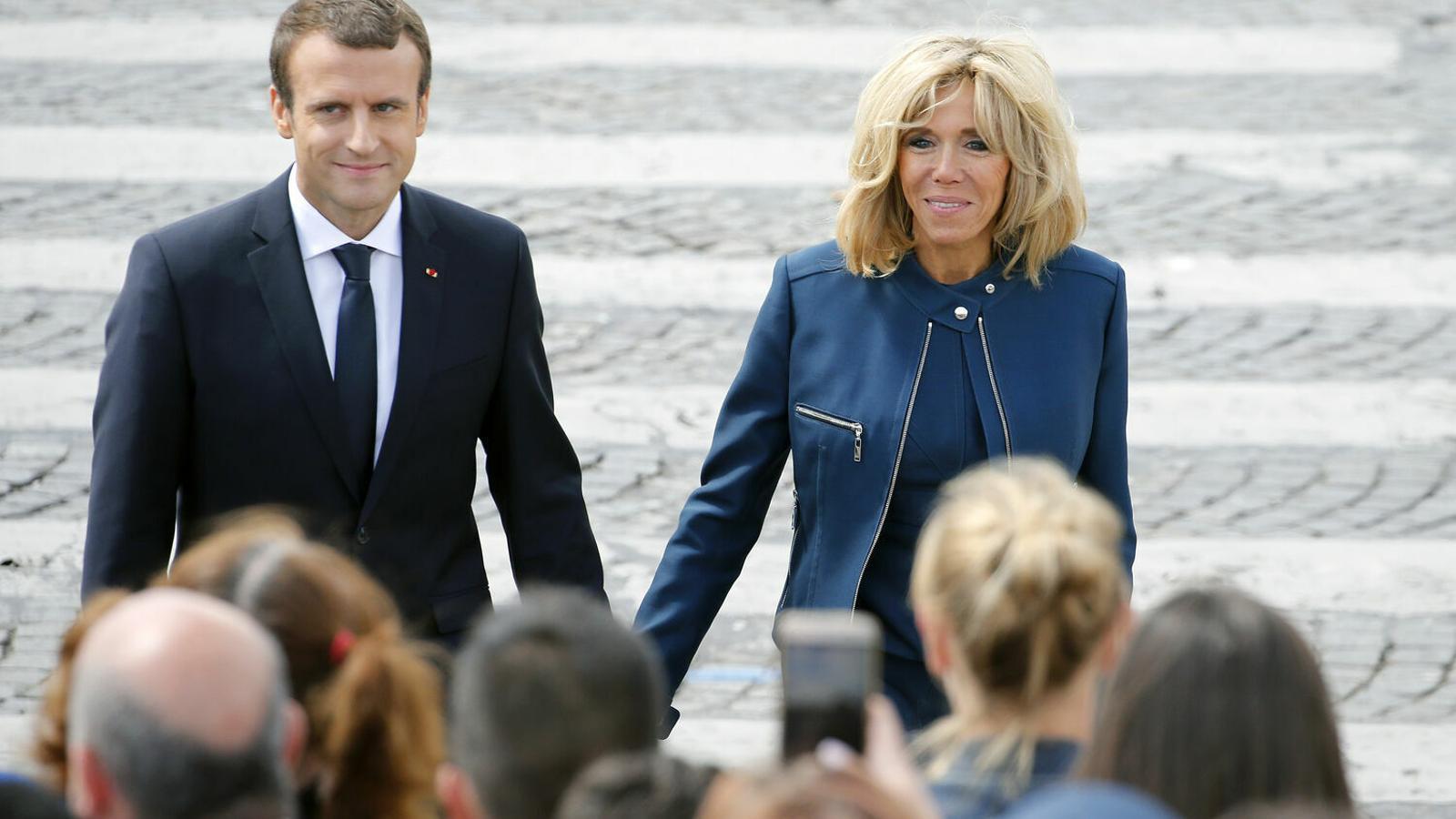 El president francès, Emmanuel Macron, amb la seva dona, Brigitte. / GETTY