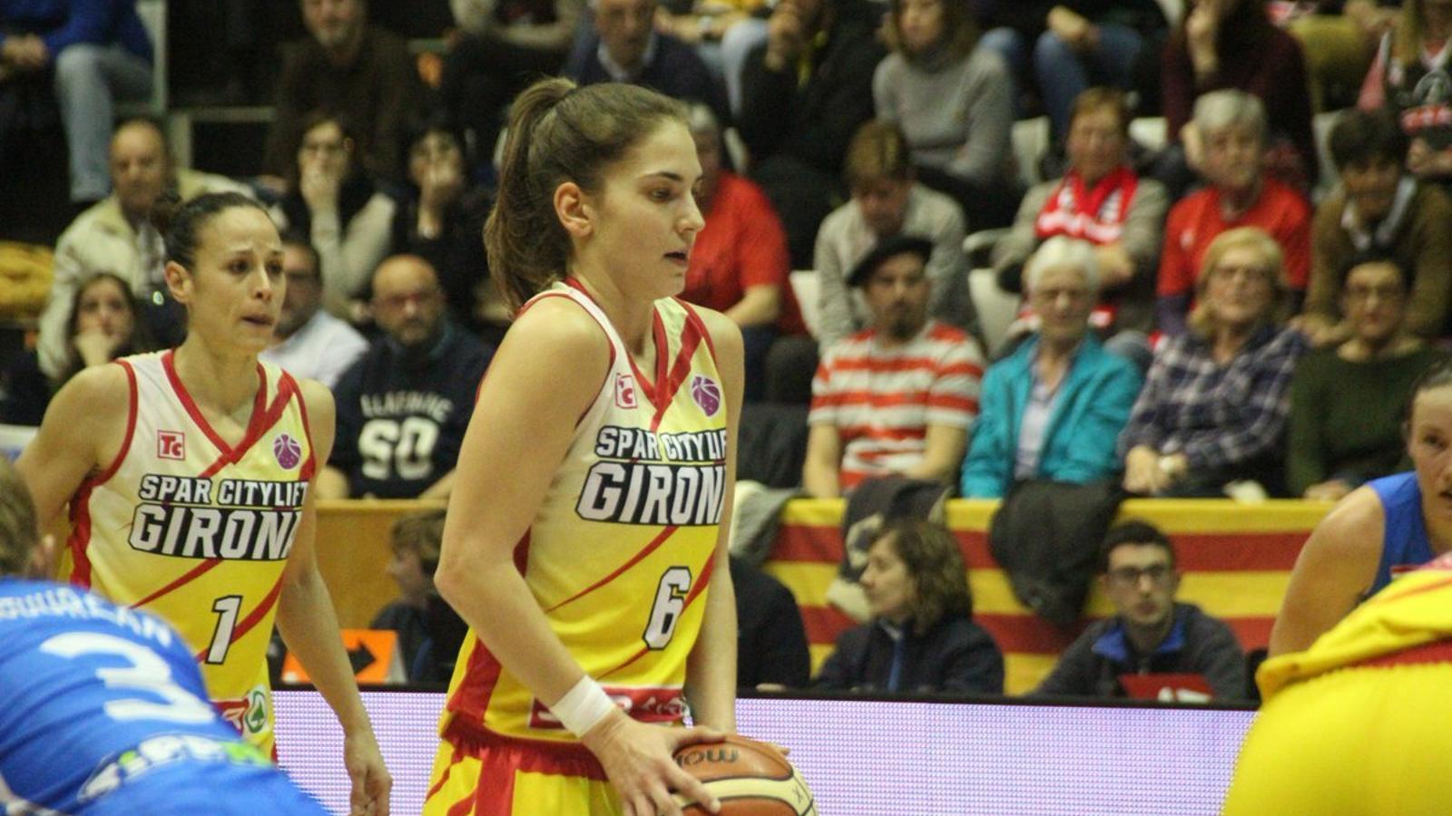 L'Uni Girona es fa fort a casa i remunta contra el Szekszárd (80-73)