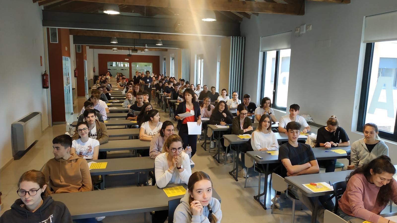 Els alumnes, a punt per iniciar els exàmens a la Seu. / AJUNTAMENT DE LA SEU