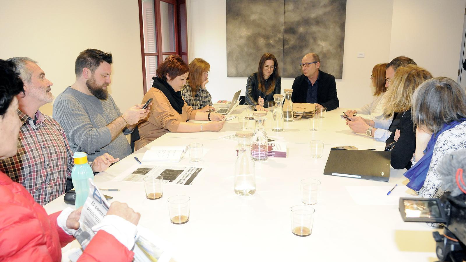 Reunió entre la ministra de Cultura i Esports, Sílvia Riva, i els tècnics dels comuns d'Ordino i d'Encamp amb la delegació de l'Alt Vallespir del departament dels Pirineus Orientals. / SFG