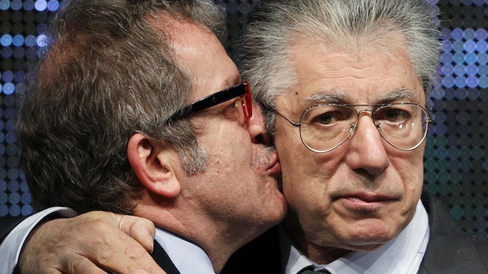 Umberto Bossi sobre la seva dimissió: Perdoneu, perquè el mal l'han fet persones que porten el meu cognom