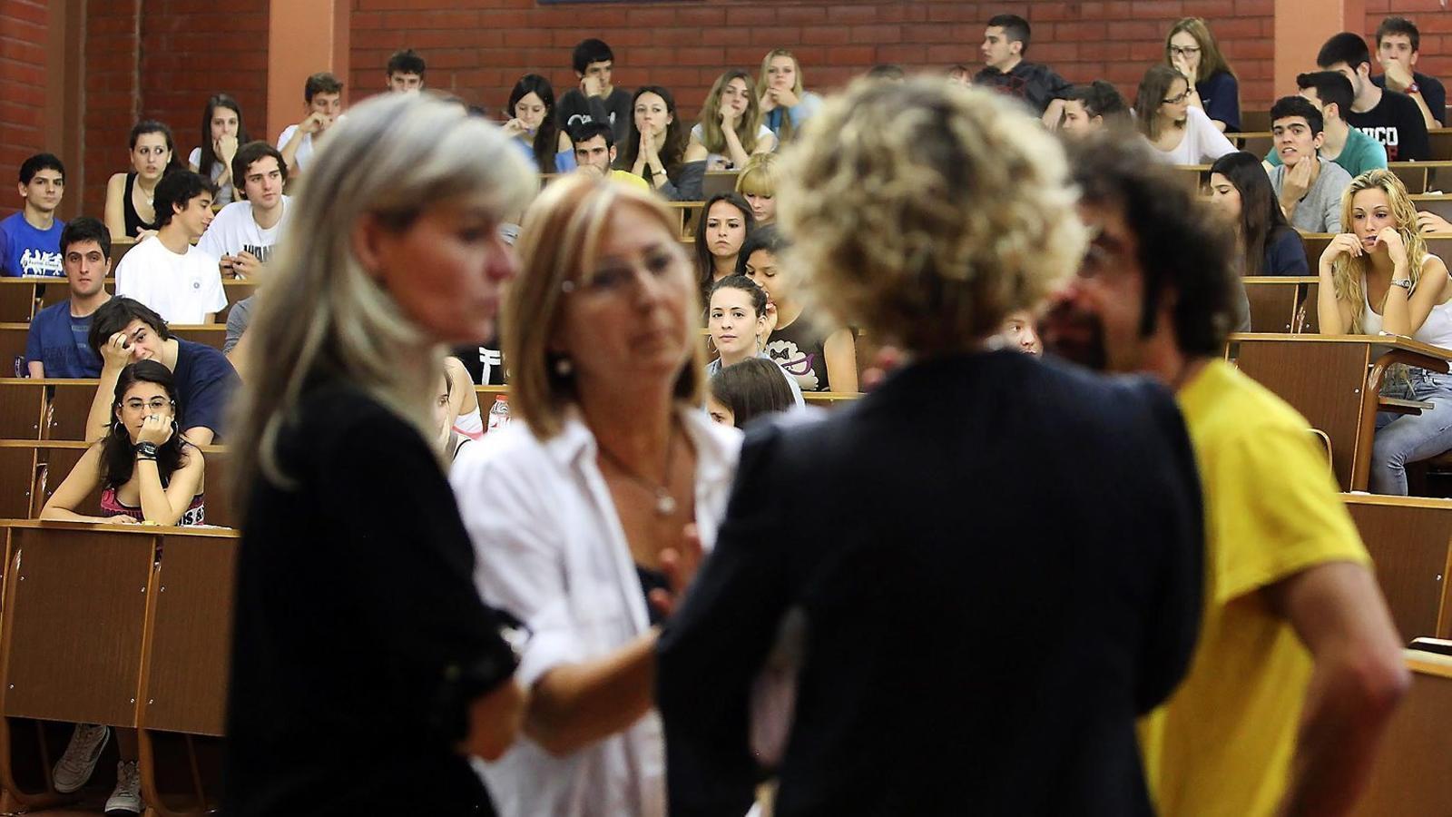 La universitat  No és lloc per a professors joves