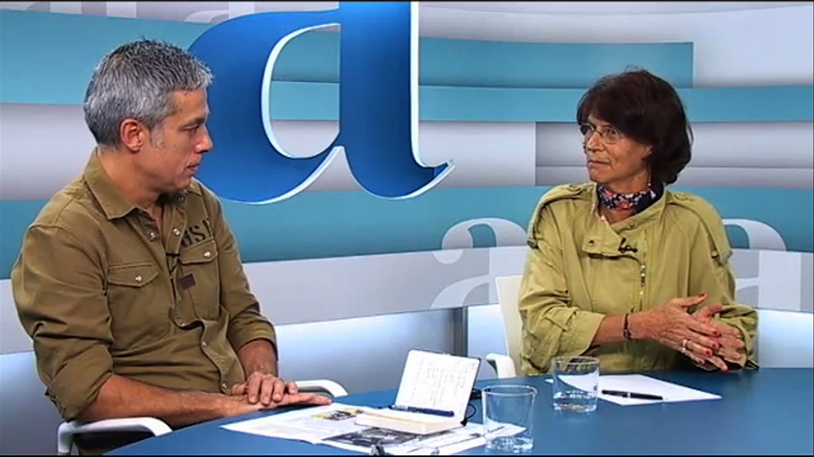 Especial Diada 2013 a l'Ara TV, conduït per Antoni Bassas: tertúlia amb Albert Om i E. Giménez-Salinas