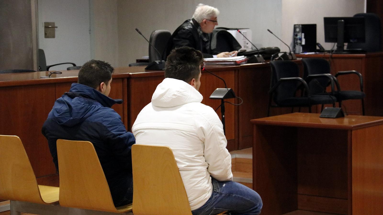 Condemna de dos anys de presó per abusar en grup d'una noia amb intel·ligència límit a Lleida