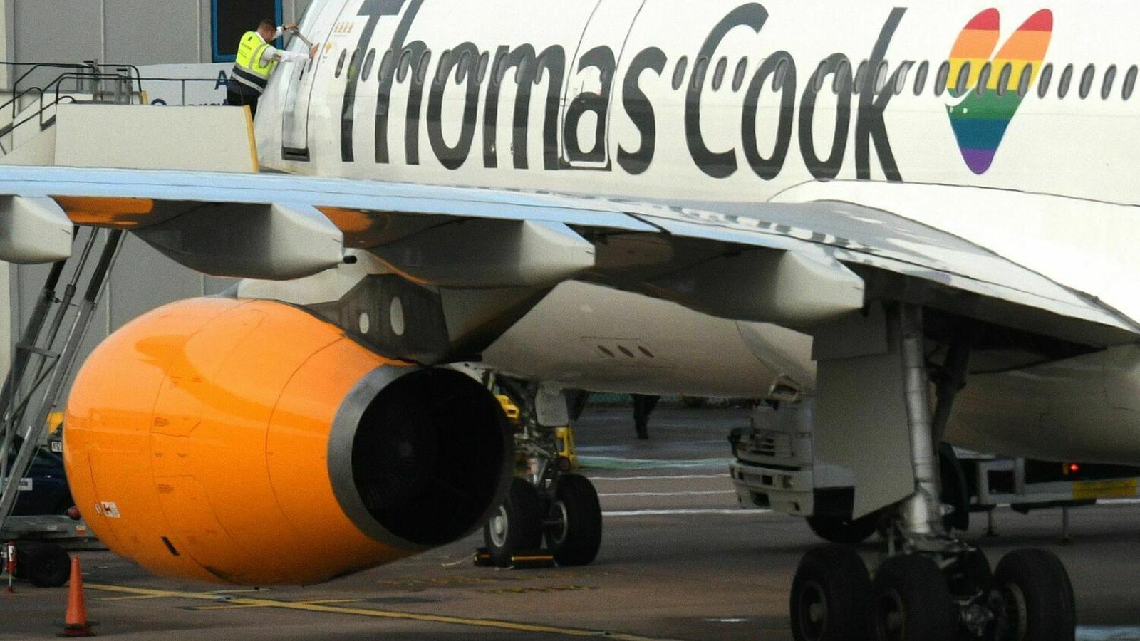 L'aeroport de Lleida-Alguaire amb avions contractats pel turoperador Neilson/ OLI SCARFF / AFP