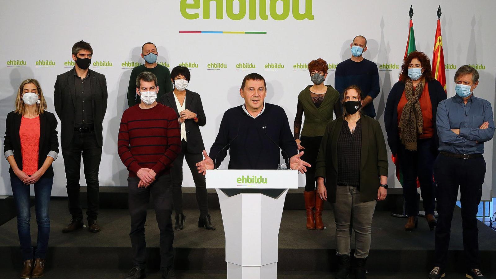 Compareixença d'Arnaldo Otegi a la seu d'EH Bildu l'endemà que el Tribunal Suprem decidís repetir el judici del cas Bateragune. / GORKA ESTRADA / EFE