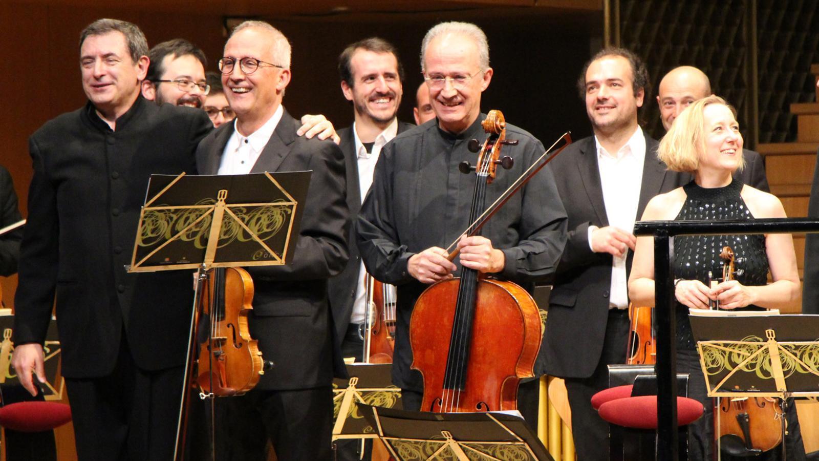 El compositor i director Salvador Brotons amb els germans Gerard i Lluís Claret, el dia de l'estrena de 'L'andorrà'. / ARXIU ANA