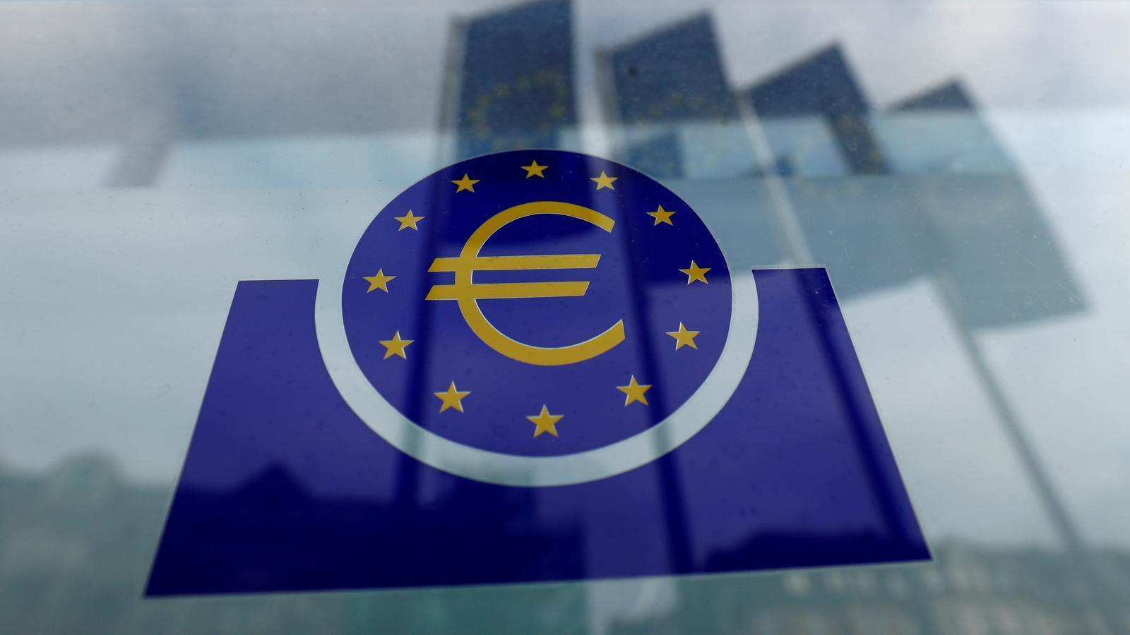 El logo del BCE a la seva seu central, a Frankfurt.