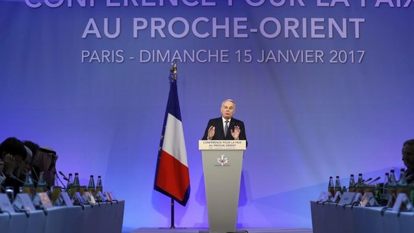 El ministre francès d'Afers Exteriors a la conferència de París.