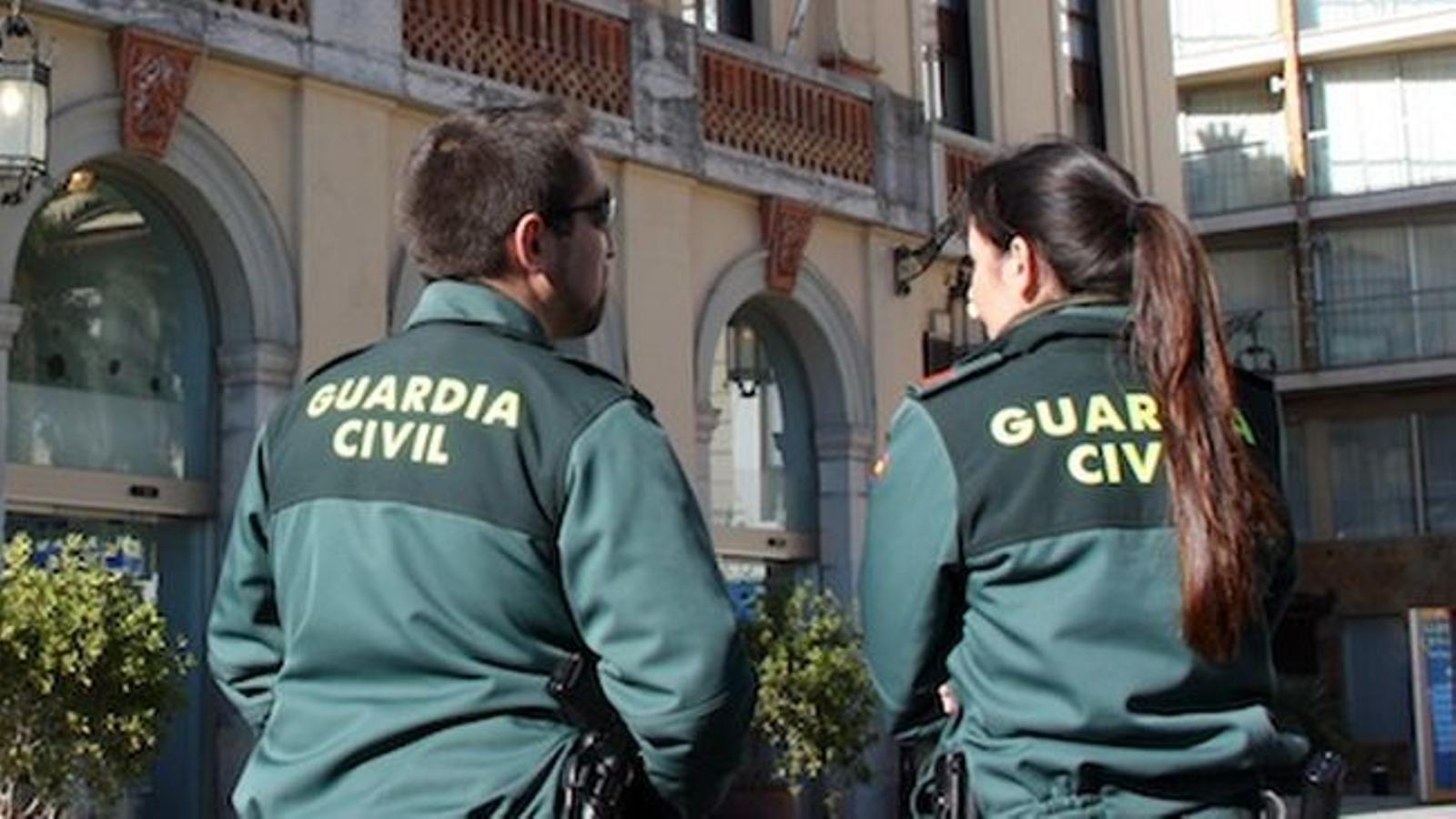 Una parella de guàrdies civils, en una imatge d'arxiu