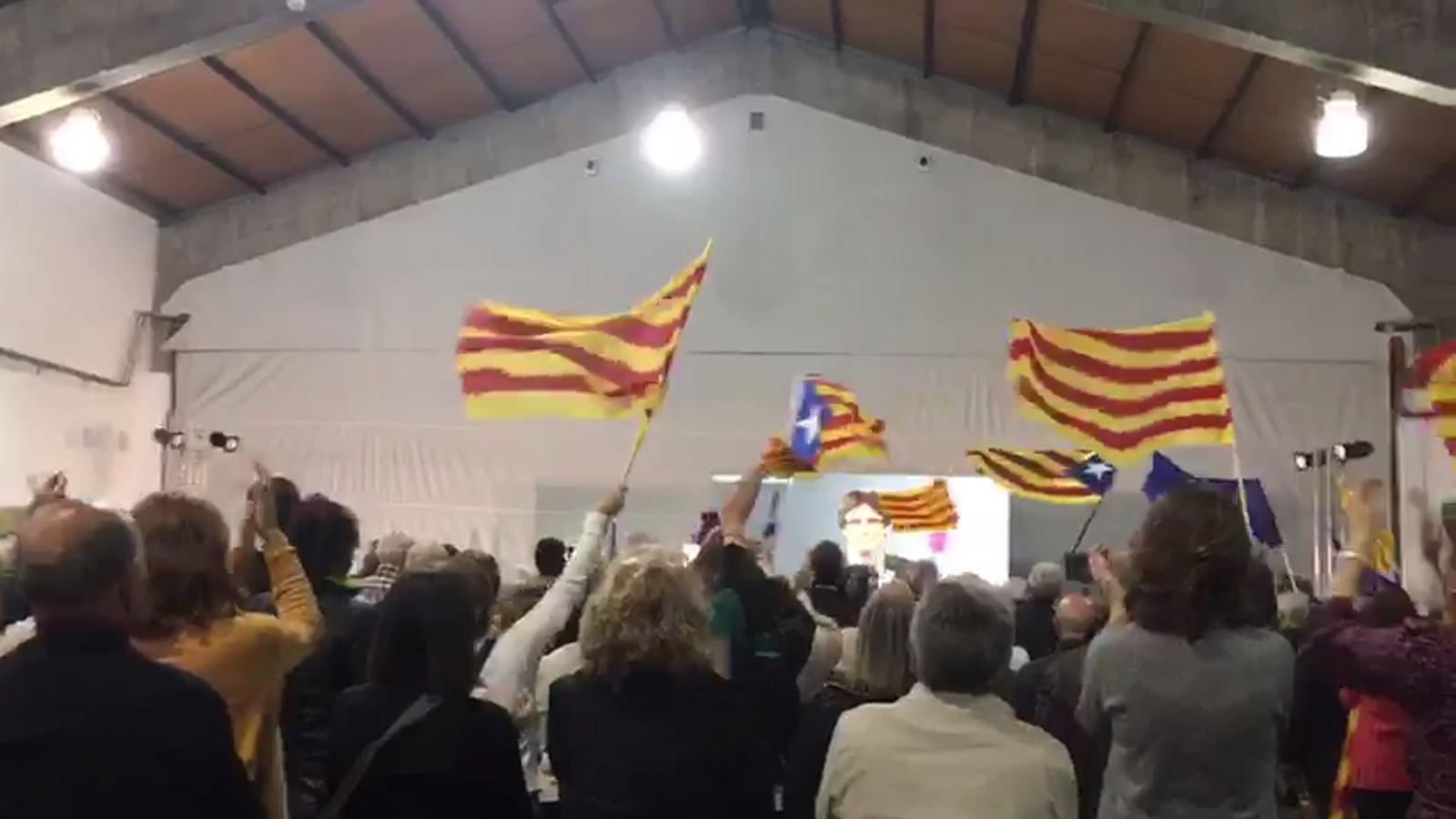 Puigdemont participa en l'acte de JxCat per videoconferència