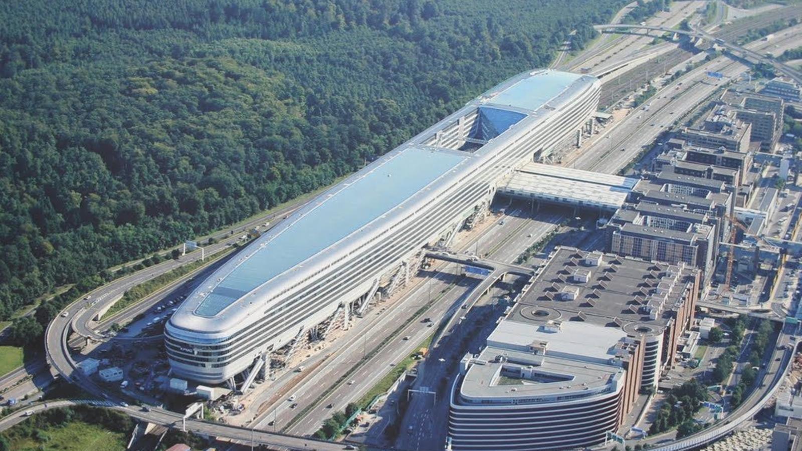 Len Frankfurt cancel len centenars de vols a l aeroport de frankfurt per vaga de