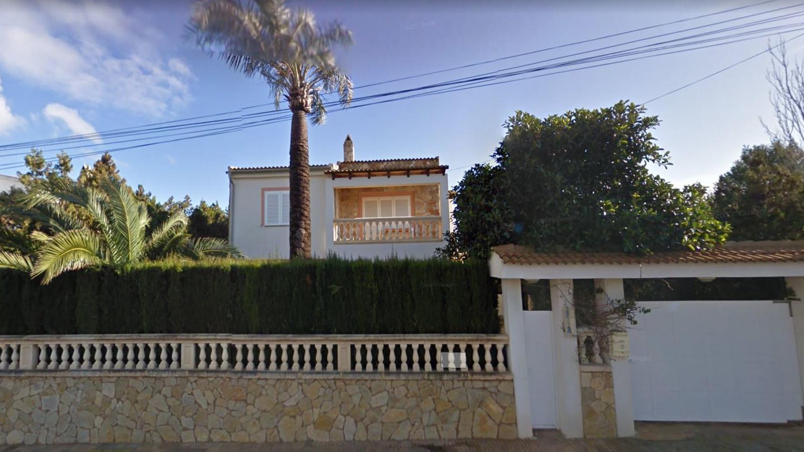 Xalet ubicat a la urbanització de Las Palmeras