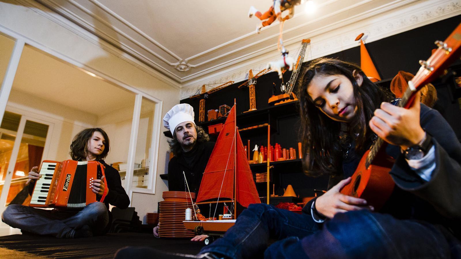 Actors en miniatura  Per a un sopar escènic oníric i ple de poesia