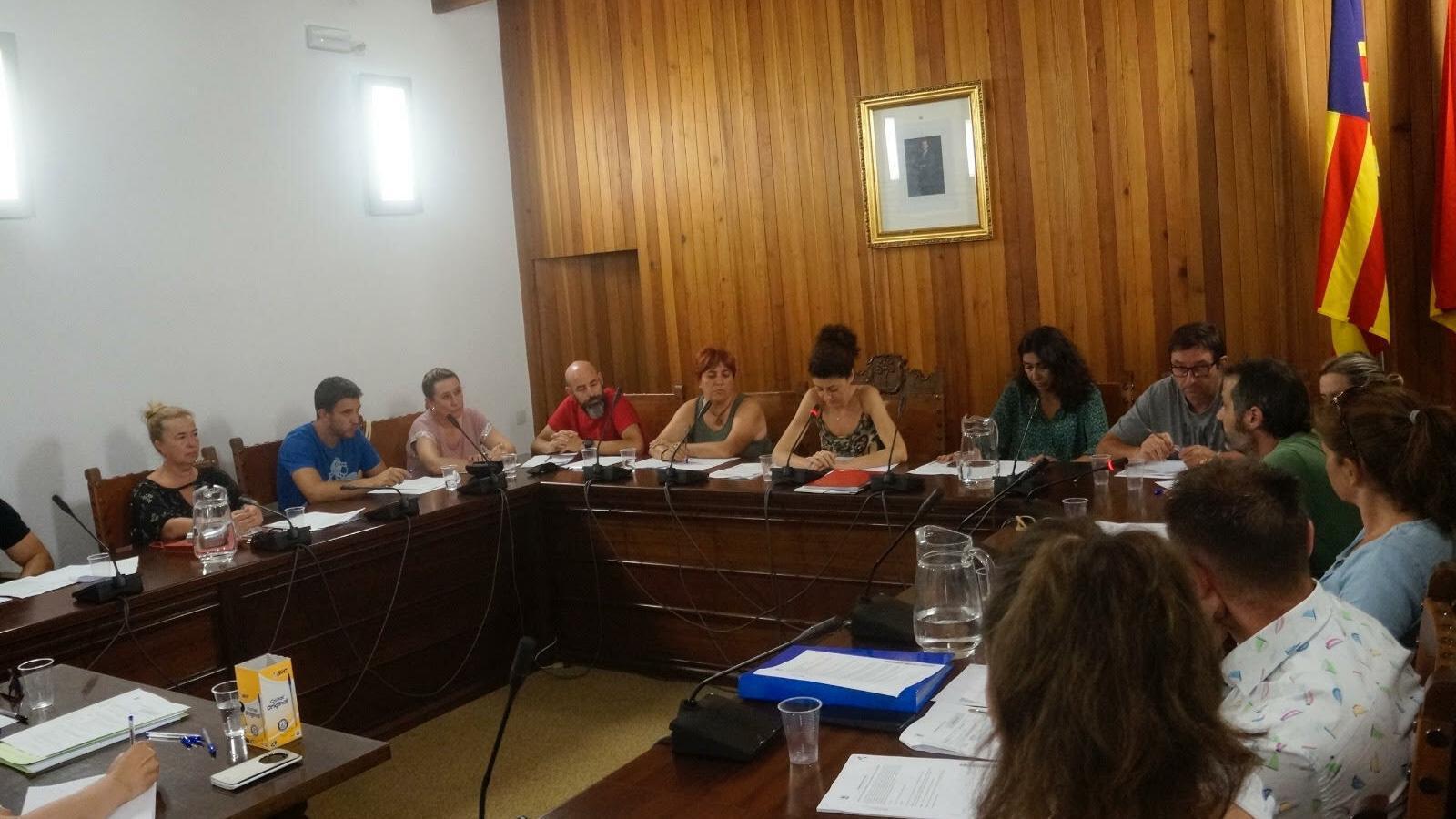 Imatge del primer plenari  del nou consistori serverí.