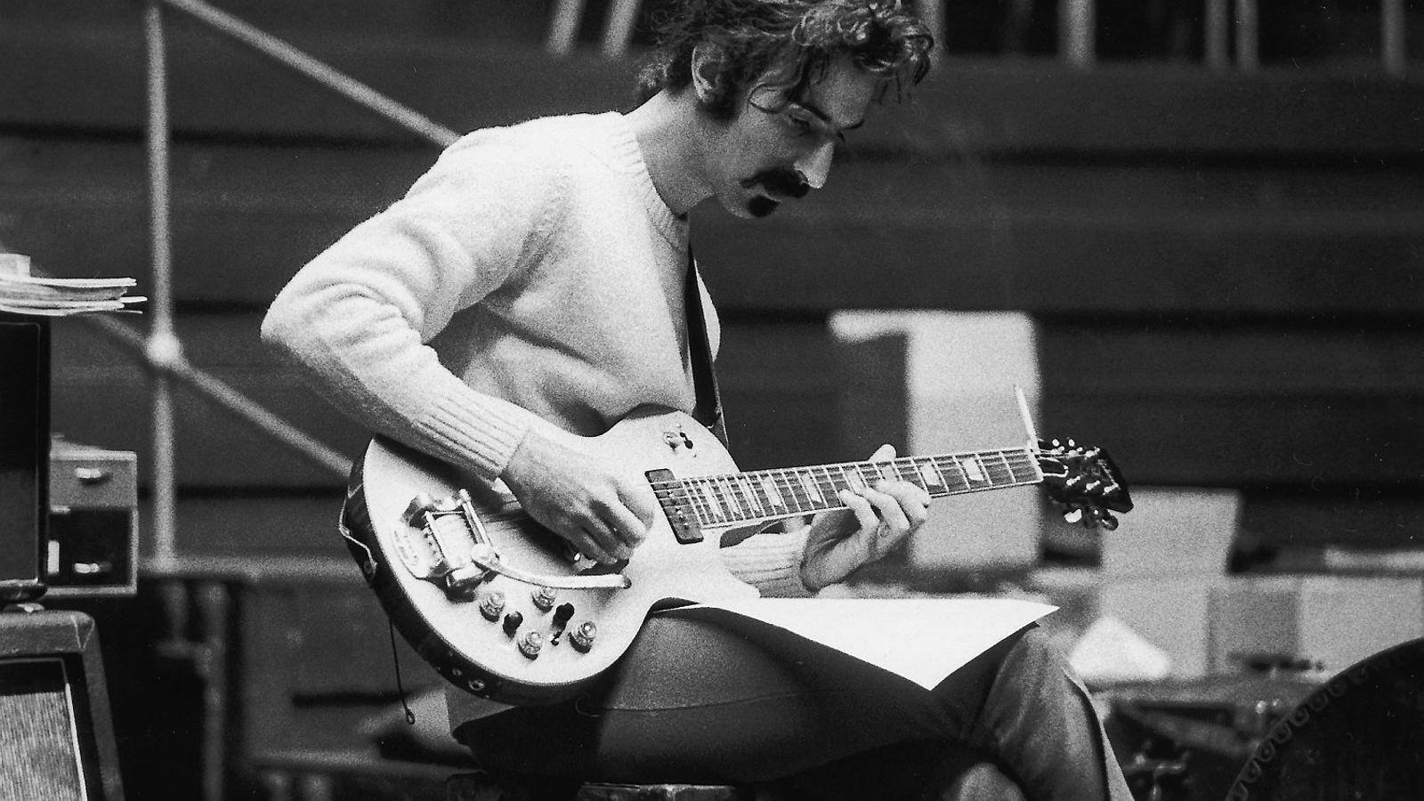 L'holograma de Frank Zappa cau del cartell del Doctor Music Festival per