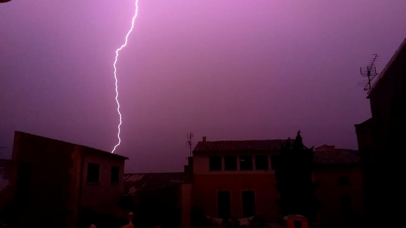 Imatge de la tempesta del vespre de dilluns./