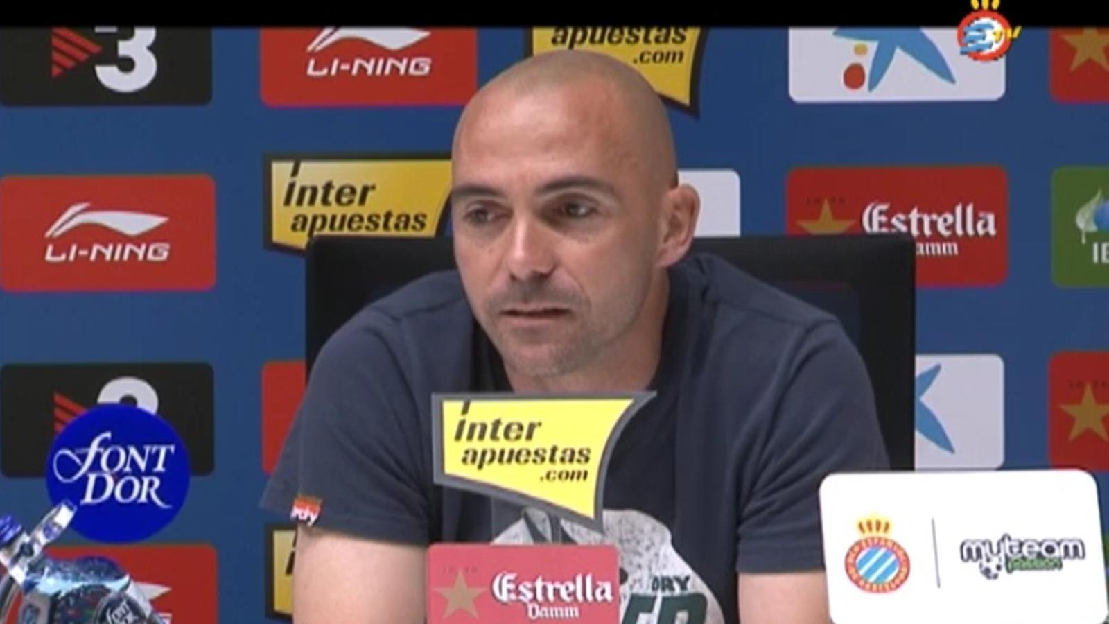Iván de la Peña s'acomiada del futbol en una emotiva roda de premsa