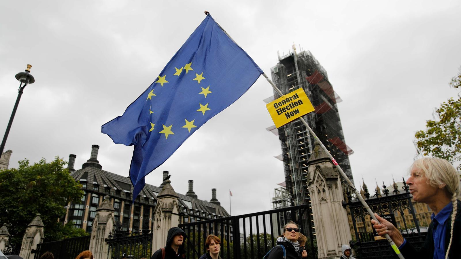 Claus d'un acord fet a Brussel·les però de difícil digestió a Westminster