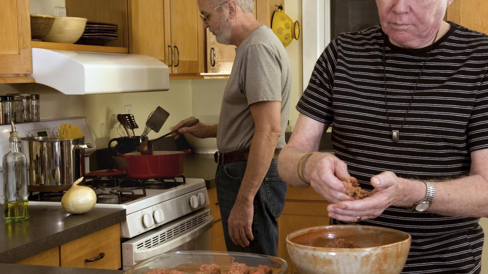 Vivim més anys, però no amb més salut, segons l'OMS / GETTY