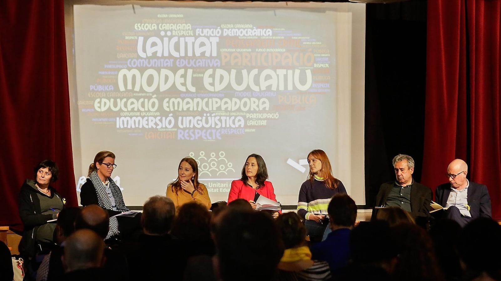 Representants de totes les formacions polítiques al debat sobre educació organitzat pel MUCE.