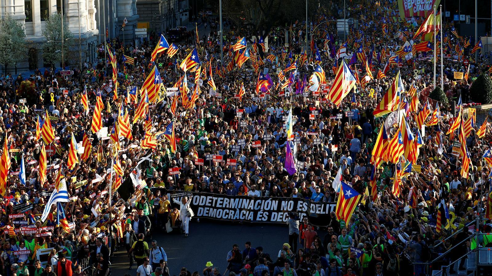 Un moment de la manifestació sobiranista a Madrid. JUAN MEDINA / REUTERS