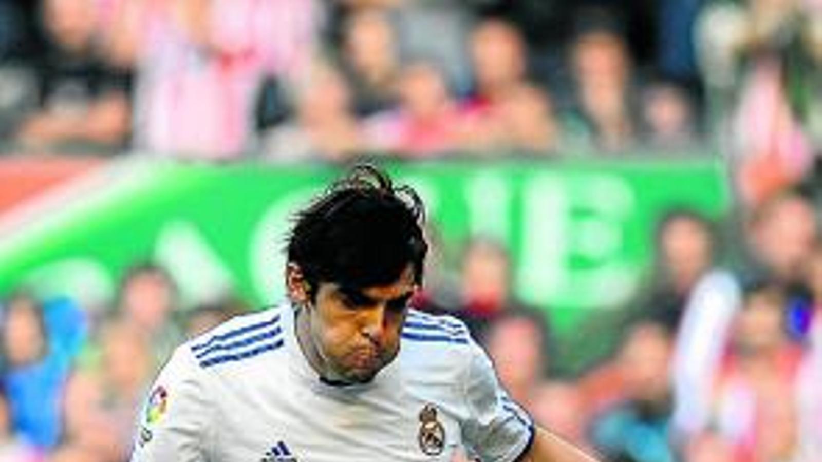 Ricardo Kaká va marcar dos gols ahir a San Mamés, els dos de penal. / RAFA RIVAS / AFP