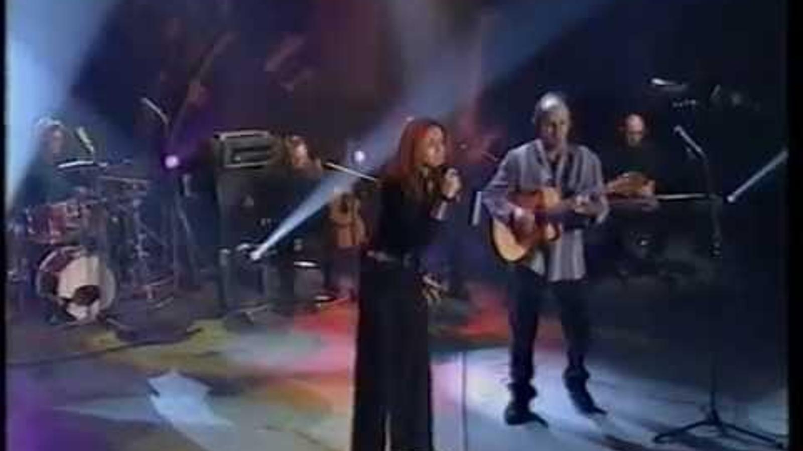 Ana Belén i Kiko Veneno toquen 'Canción del gitano apaleado'